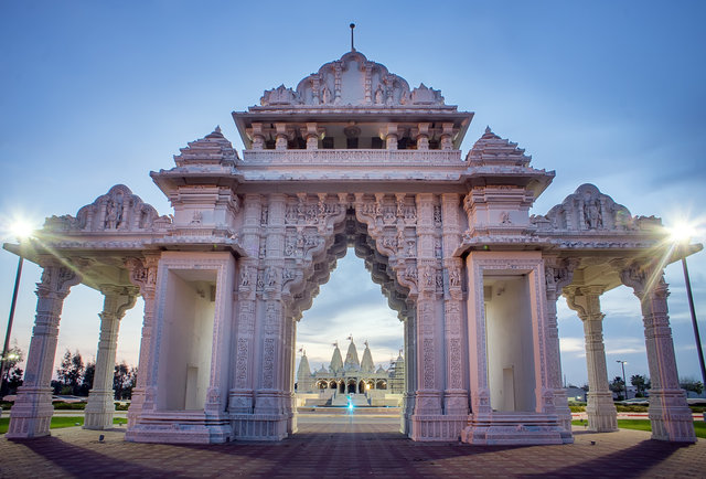 santa ana hindu singles Meet thousands of single hindus in santa ana with mingle2's free hindu personal ads and chat rooms our network of hindu men and women in santa ana is the perfect place to make hindu friends or find a hindu boyfriend or girlfriend in santa ana.